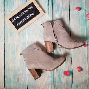 Toms  ankle suede boots size 7.5